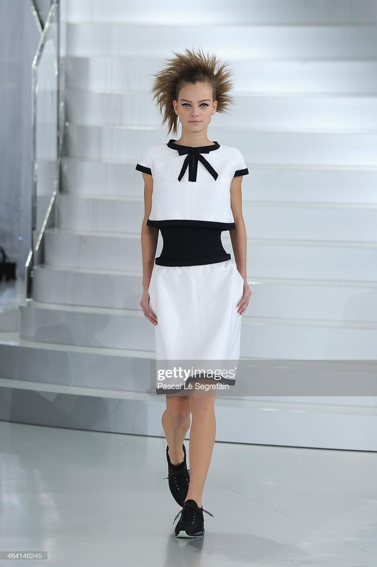 Mistério nas passarelas: Chanel: Runway - Paris Fashion Week - Haute Couture S/S 2014.