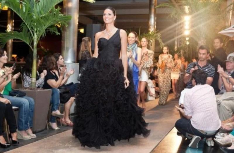 Desfile com Daniela Sarahyba na abbertura da loja Daslu no Shopping Fashion Mall, no Rio de Janeiro, em 2011.