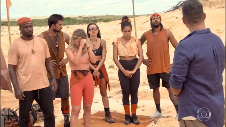 Íris Stefanelli  é obrigada a ir para a Calango (imagem: reprodução/ Globo)