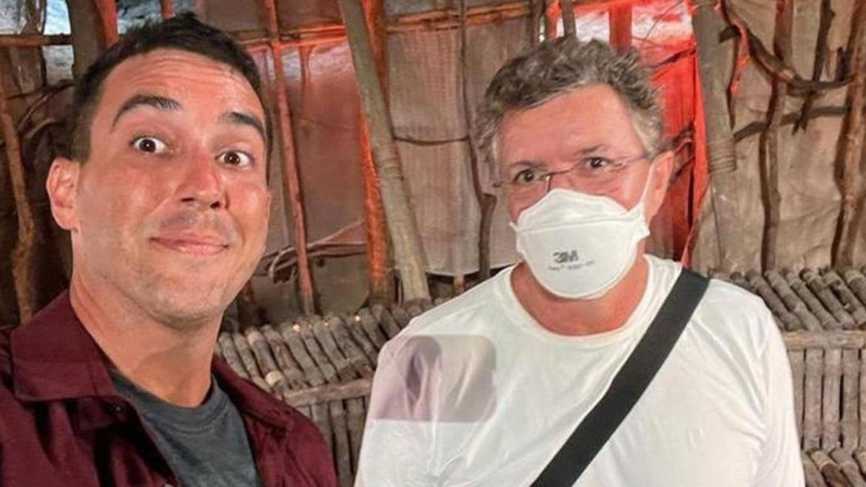 André Marques e Boninho nos bastidores de No Limite (imagem: divulgação)
