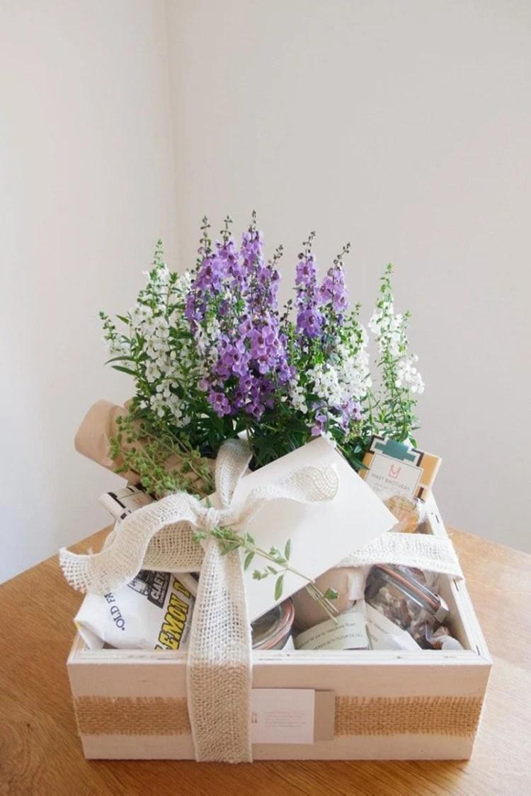 cesta com flores para o Dia dos Avós