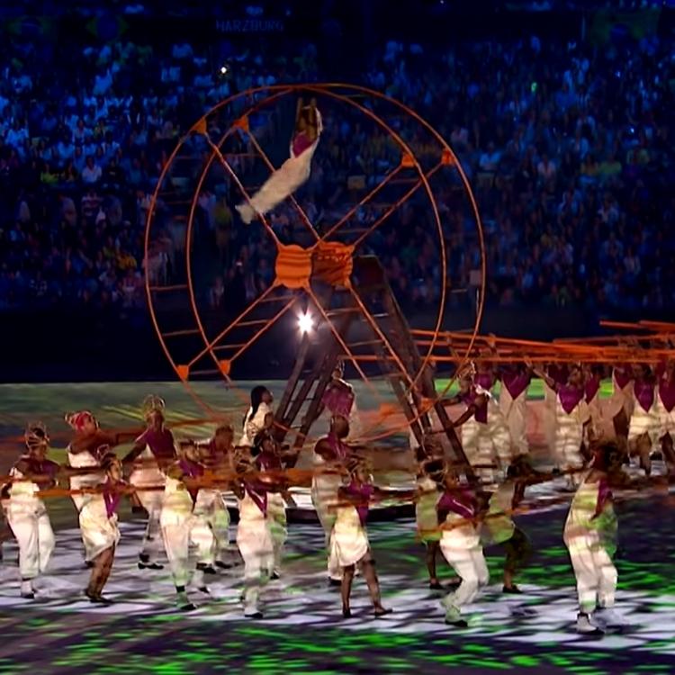 Foto da representação de escravos na Olimpíadas do Rio 2016.