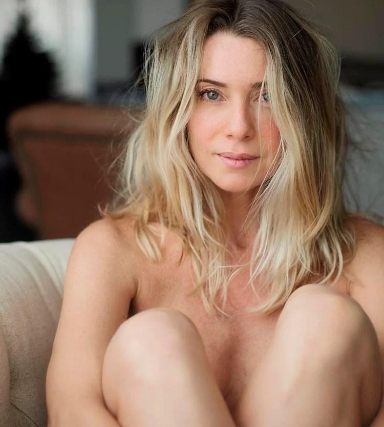 Letícia Spiller nua com cabelos soltos