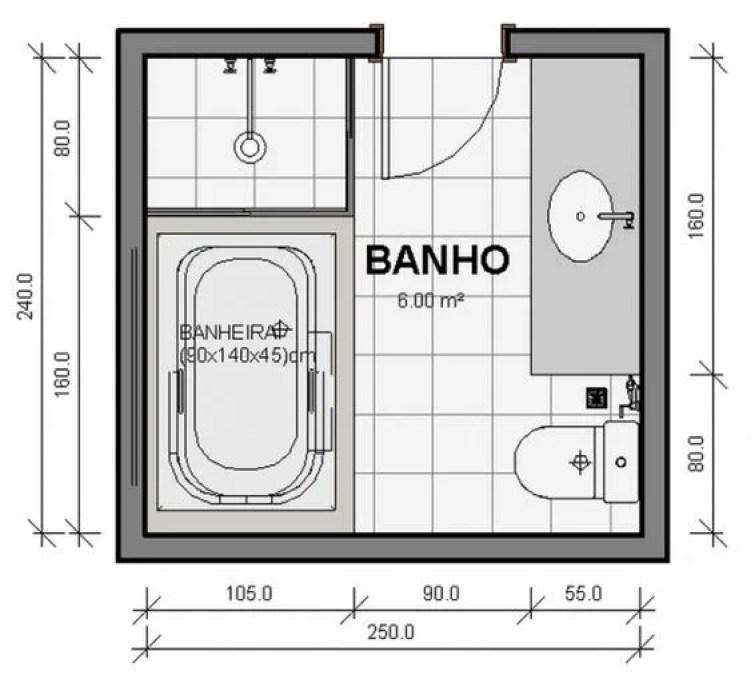 Banheiro quadrado grande.
