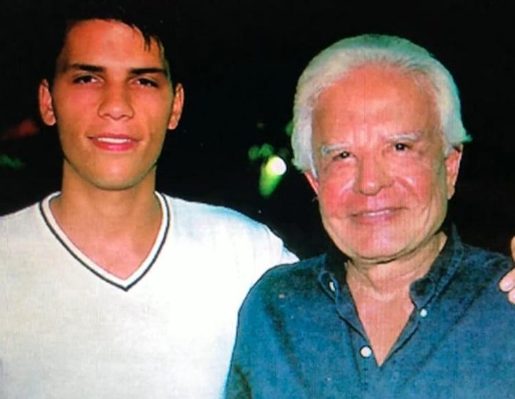 Foto de Cid Moreira e o filho Roger.