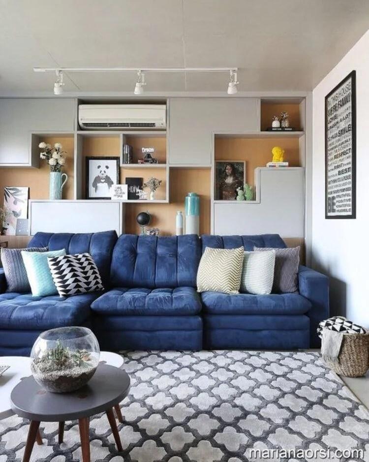 Sofá azul.