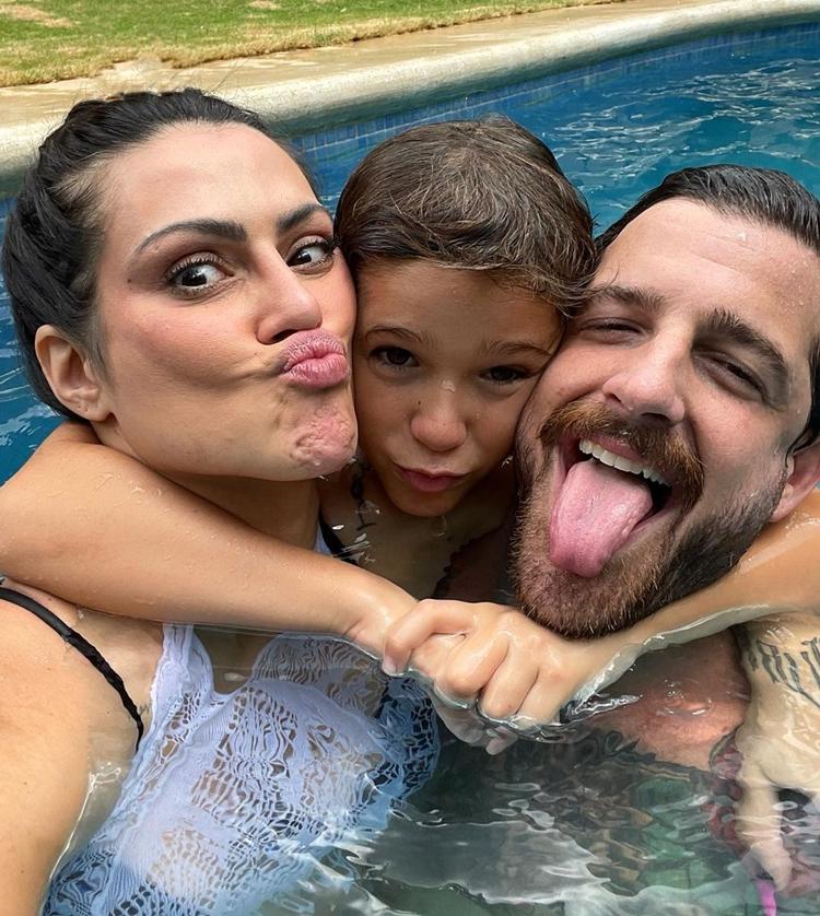 Foto do casal com Gael, filho de Leandro D'Lucca.