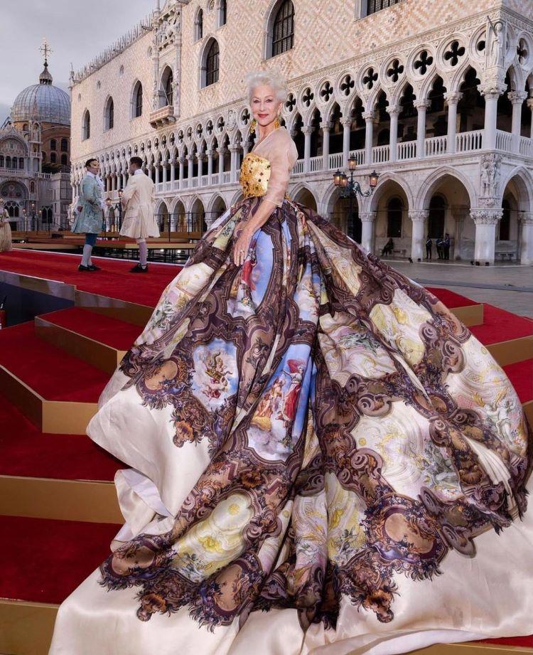 Dolce & Gabbana 2021: Hellen Mirren