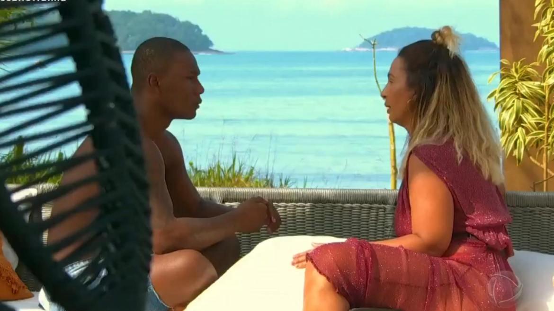 Valesca e Matheus se entendem após briga e troca de acusações. Fonte: Reprodução/ Record TV