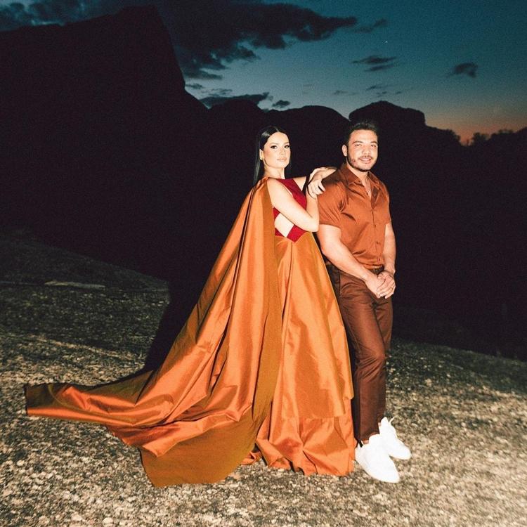 Foto da cantora Juliette com o cantor Wesley Safadão.