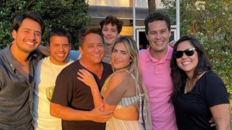 Zé Felipe e João Guilherme se encontraram com os outros irmãos para comemorarem o aniversário de Leonardo. Fonte: Instagram