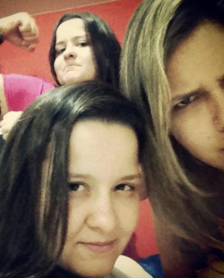 Foto de Marília Mendonça, Maiara e Maraisa..