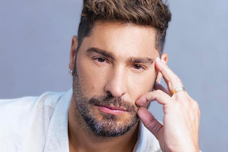 Victor Pecoraro está em A Fazenda 13, da Record TV; ele foi o primeiro nome confirmado
