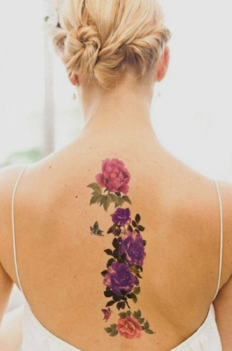 Tatuagem feminina colorida