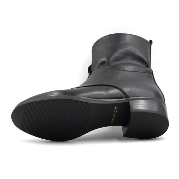 Black Boots | Taehyung – BTS