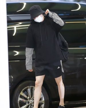 Black Sweater With Blouse Arms | Suga – BTS
