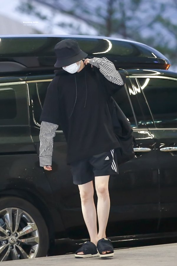 Black Sweater With Blouse Arms   Suga – BTS