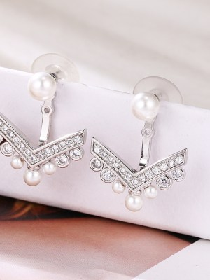 Cha Soo Hyun Arrow Earrings (1)