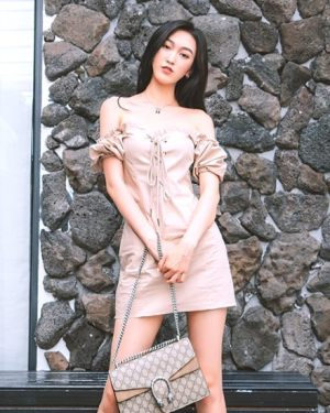 blackpink-jennie-cute-beige-dress8