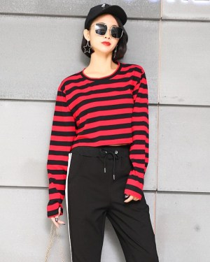 blackpink-lisa-red-black-striped-shirt3