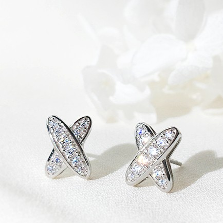 Cross Earrings | Cha Soo-Hyun – Encounter
