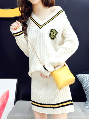 red-velvet-yeri-college-sweater