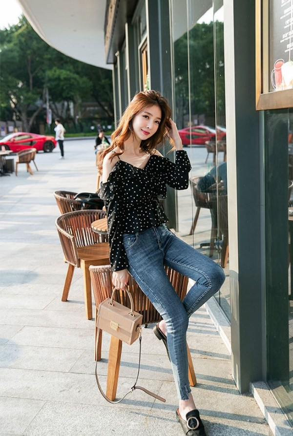 Blue Dotted Blouse | Lisa – BlackPink