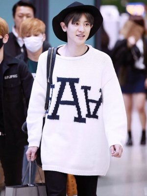 White Loose Sweater | Chanyeol – EXO