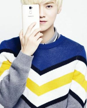 Chic Grey Sweater | Luhan – EXO