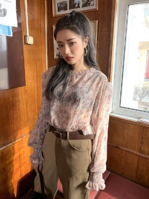 red-velvet-wendy-transparent-flower-blouse