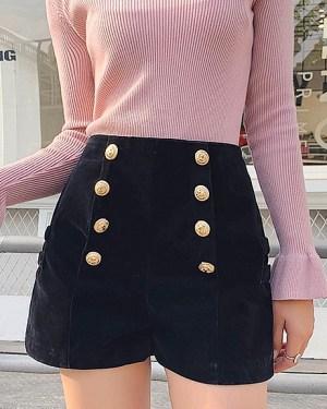 twice-jeongyeon-black-velvet-shorts