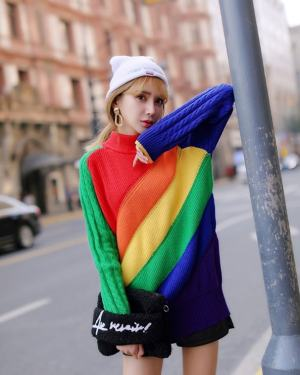 Hyuna Colorful Striped Knitted Sweater (6)