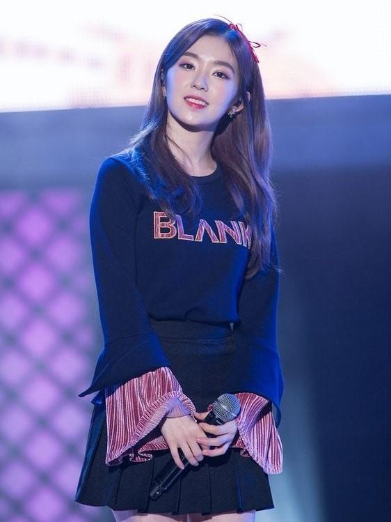 Trumpet Sleeve Blue Sweater   Red Velvet