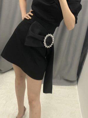 Yeri Black Half Ribbon Skirt (2)