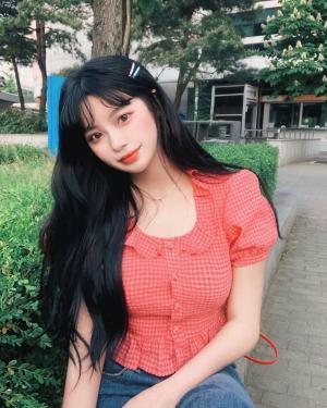 Nayeon Red Plaid Ruffled Collar Top (5)