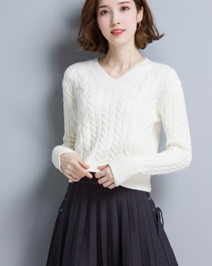 Nayeon V-Neck Short Knit Sweater (6)