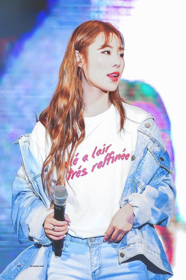 French Phrase T-Shirt | Wheein – Mamamoo