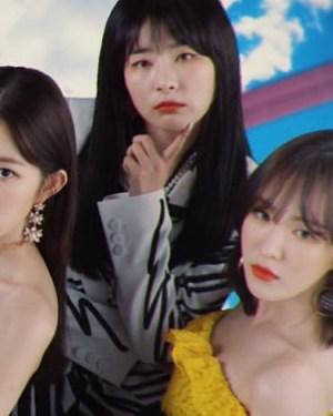 Graffiti Lines Bow Blazer   Seulgi – Red Velvet