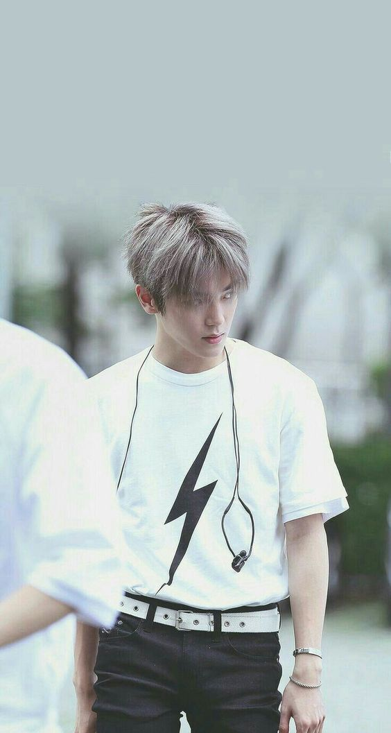 Lightning T-Shirt | Taeyong – NCT