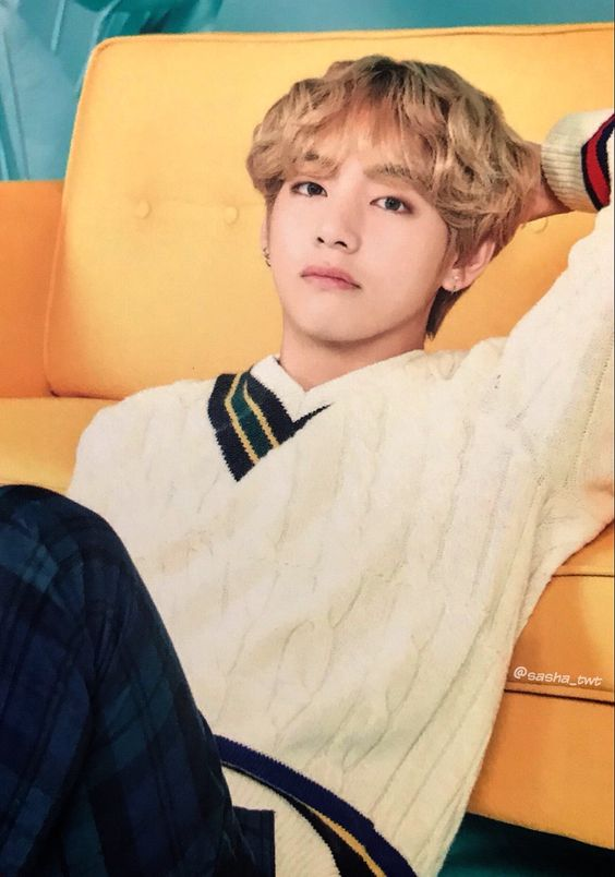 Loose V-Neck Knit Sweater   Taehyung – BTS