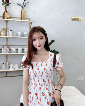 Wendy Floral Square Collared Doll Shirt (5)