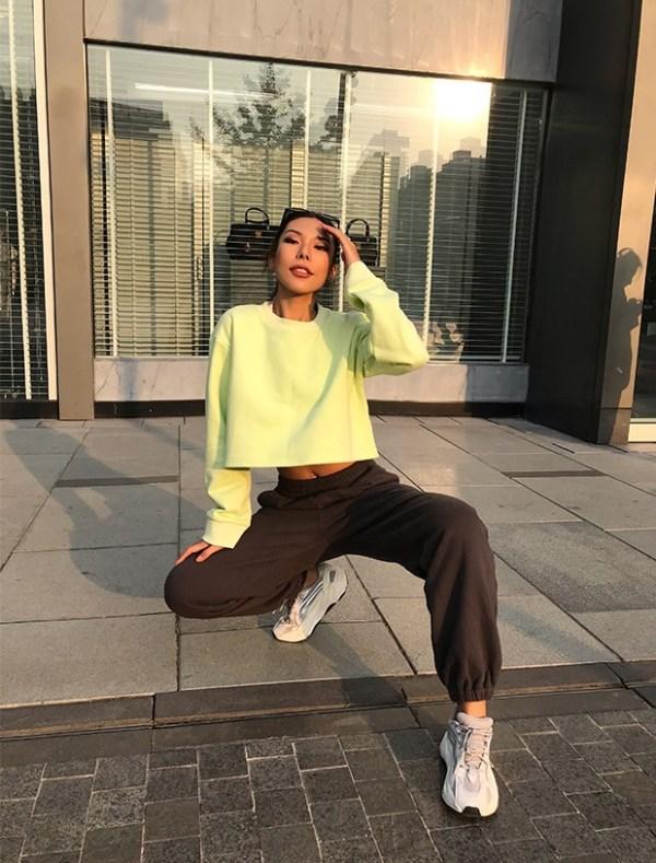 Light Green Sweatshirt  | Jennie – BlackPink