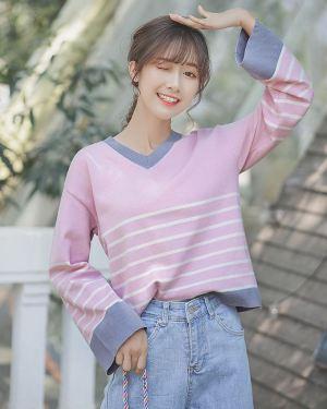 Wide Sleeved V-Neck Sweater (1)