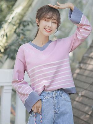 Wide Sleeved V-Neck Sweater (1)