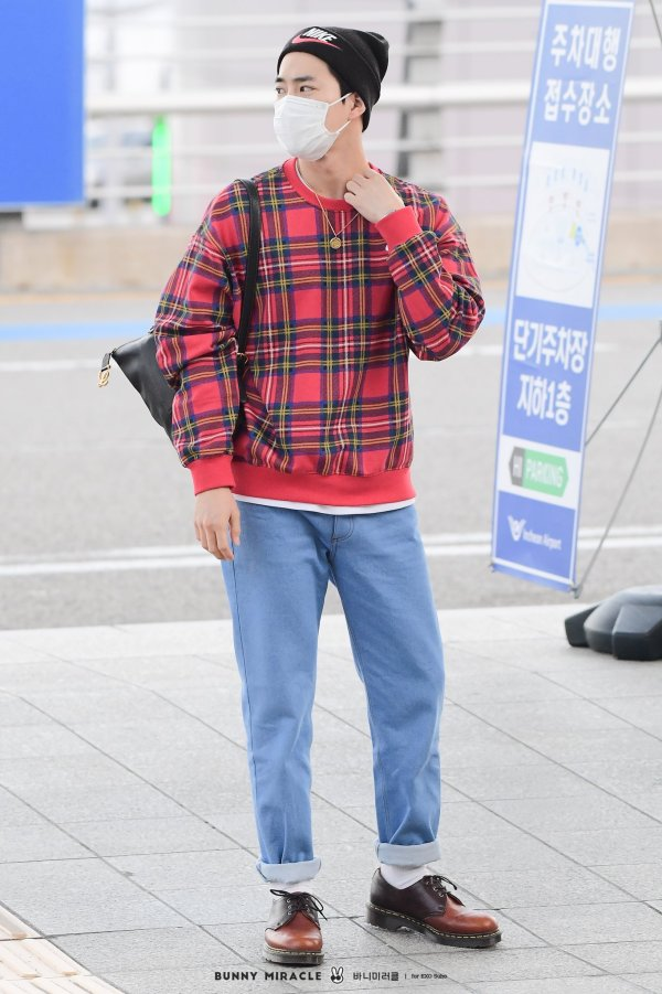 Plaid Flannel Sweater   Suho – EXO
