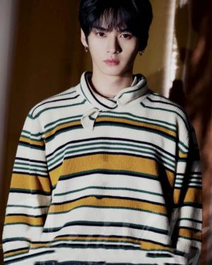 Triangular Collared Multi-striped Sweatshirt | LeeKnow – Stray Kids