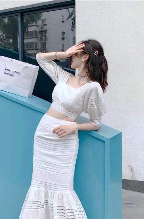 Linear Cropped Shirt   Lisa – Blackpink
