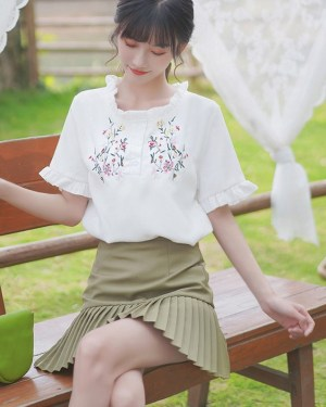 Bell Sleeved T-Shirt With Floral Print