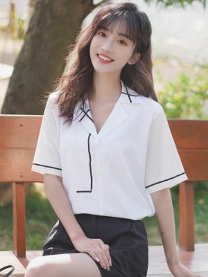 Minimalist Lines White Shirt 00006