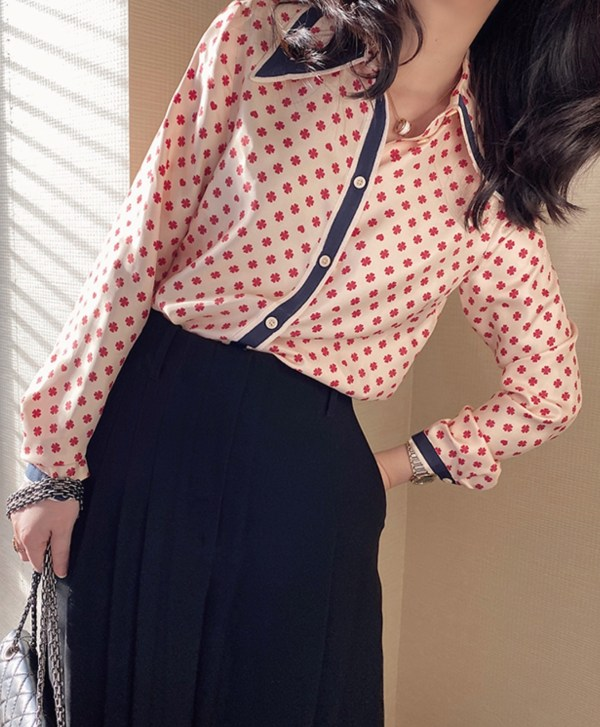 Red Clover Patterned Silk Blouse   Nayeon – Twice